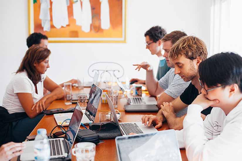 Si eres empresario y quieres contratar migrantes para tu negocio, es importante que conozcas los derechos que tienen como colaboradores.